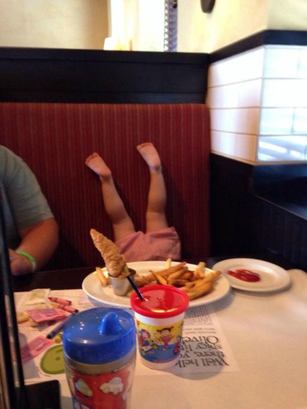 meisje verkleed in elfje