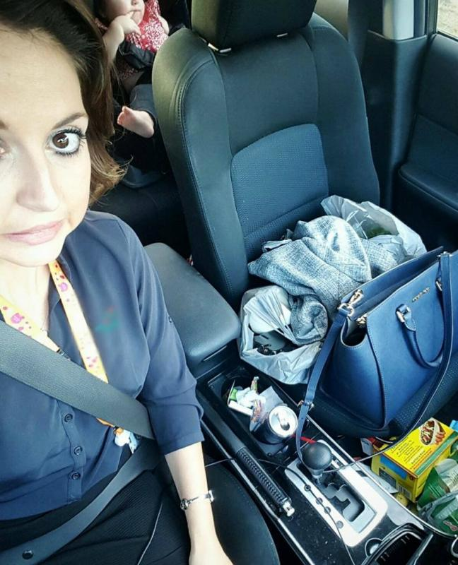mama in auto vol rommel