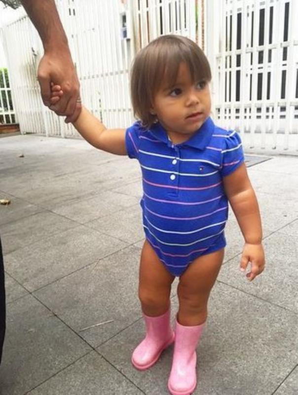 kindje in body zonder broek