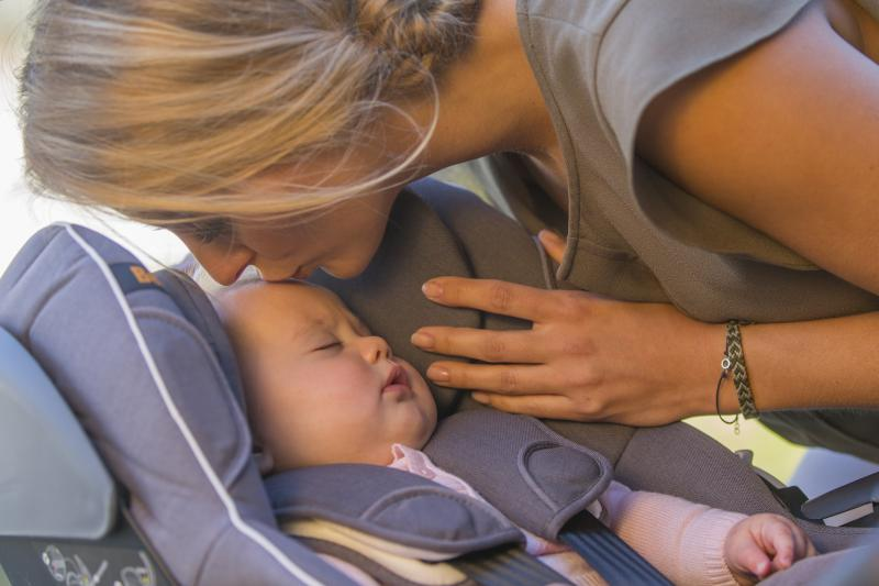 mama met kind in Be Safe Modular