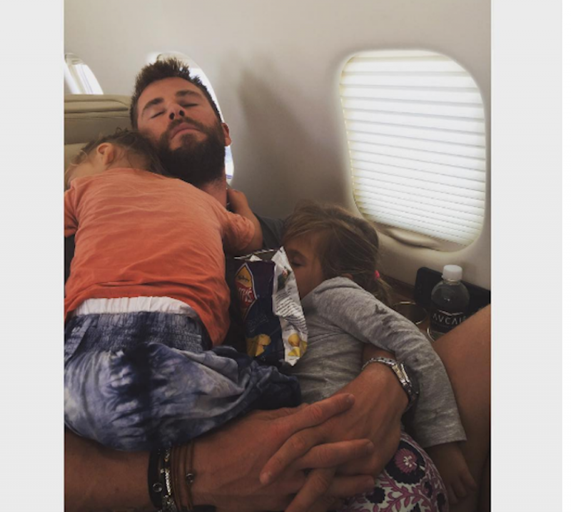 chris hemsworth sleeping kids