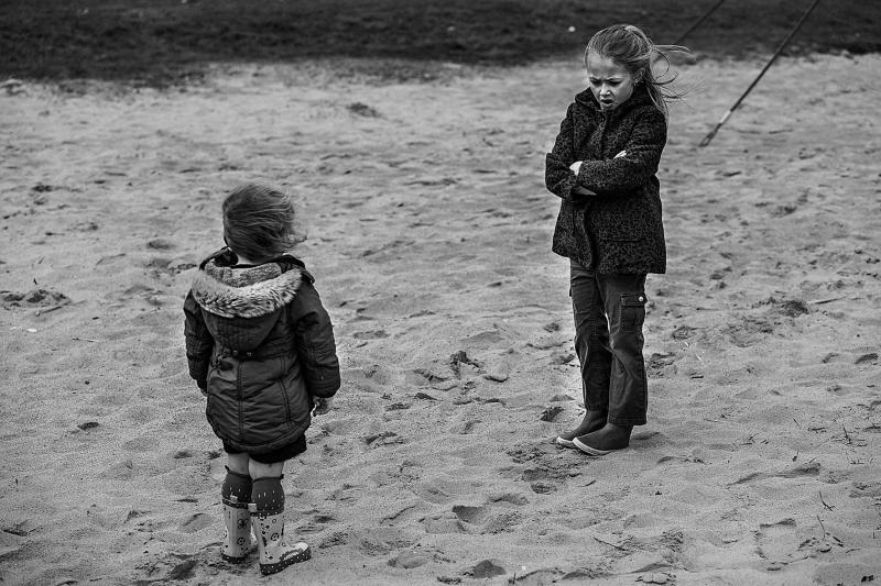kindjes in het zand