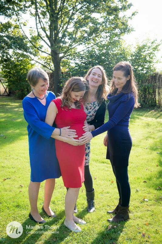 mama, zussen en oma
